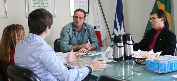 Juiz eleitoral visita Alexandre Nogueira e pede ajuda para acelerar o cadastramento eleitoral