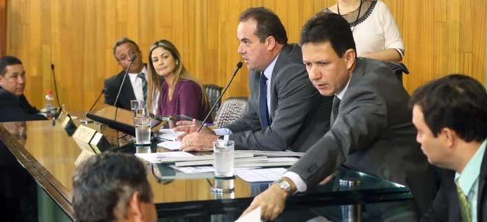 Projetos são aprovados durante a nona reunião ordinária de abril