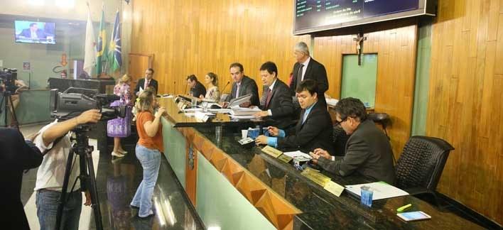 Projetos são aprovados durante a oitava reunião ordinária de abril